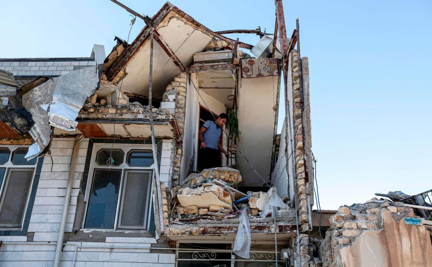 Deadliest earthquake leaves homes destroyed with rubble and debris. Graphic courtesy of CNN.