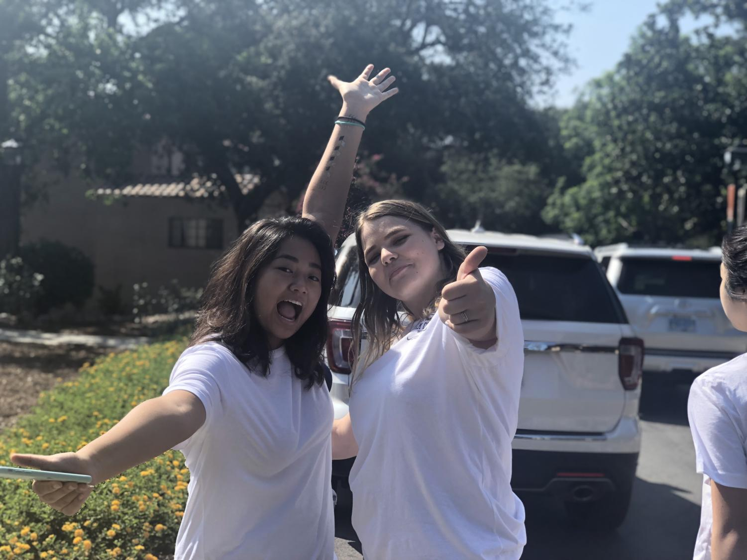 Dorm councillors Doris Yuan ('20) and Maria Shevchuk ('19) are extremely enthusiastic to start the day!