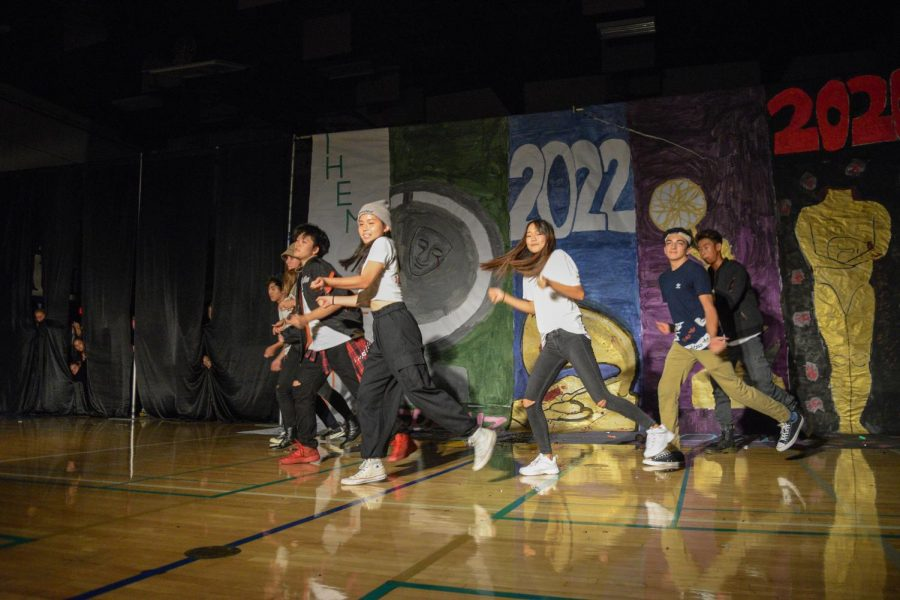 A+group+of+sophomores+channeled+their+inner+BTS+and+presented+a+dance+during+the+performance.
