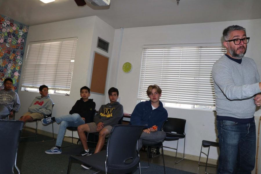 Mr. Rios leads a Freshman Seminar class.