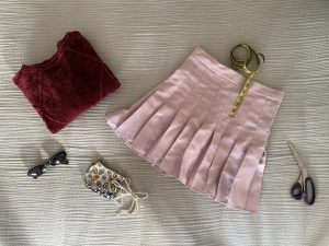 You can be more sustainable by recycling old materials and make a perfectly tailored-to-you tennis skirt.